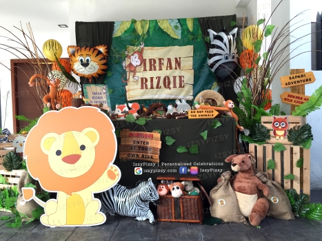 safari jungle beware wild animal theme birthday party zebra lion tiger monkey supplies ideas malaysia candy buffet package set up dessert cake fondant props balloon stripes green