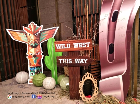 wild wild west dinner party birthday totem pole red indian props backdrop wheel vintage cactus tent rental hire equipment malaysia rustic pallet wood sewa