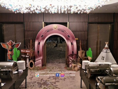 wild wild west horseshoe dinner party birthday entrance walkway standee props rental hire equipment wheel cactus tent malaysia cowboy decoration crate pallet wooden box