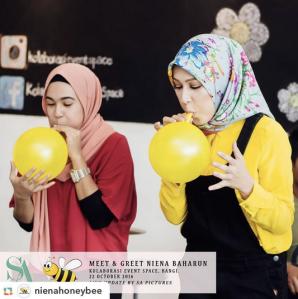 niena-baharun-honeybee-teman-pengganti-sayangku-kapten-mukhriz-raja-afiq-bumble-bee-theme-yellow-black-malaysia-party-event-planner-balloon-artist-pelakon-drama