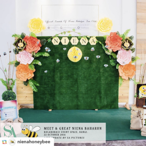 niena-baharun-honeybee-teman-pengganti-sayangku-kapten-mukhriz-raja-afiq-bumble-bee-theme-yellow-black-malaysia-party-event-planner-decoration-murah-photobooth-corner