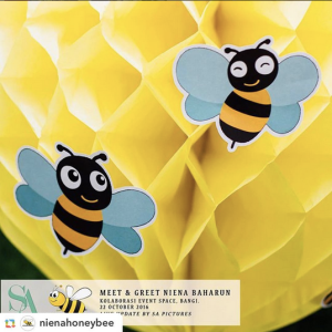 niena-baharun-honeybee-teman-pengganti-sayangku-kapten-mukhriz-raja-afiq-bumble-bee-theme-yellow-black-malaysia-party-event-planner-honeycomb