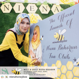 niena-baharun-honeybee-teman-pengganti-sayangku-kapten-mukhriz-raja-afiq-bumble-bee-theme-yellow-black-malaysia-party-event-planner-sign-card-official-launch